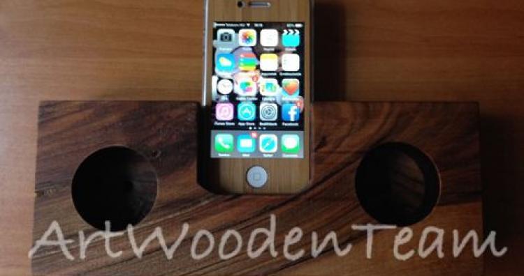 iPhone kiegészítő: fa hangszóró