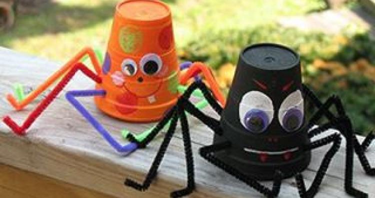 Kreatív ajándék ötlet gyerekeknek: mire jó a vödör?
