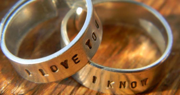 Kreatív ajándék ötletek szerelmeseknek: 7 kreatív gyűrű
