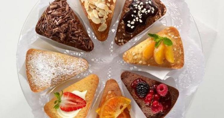 Kreatív ajándék ötlet: tortaforma, mindegyik szelet más és más